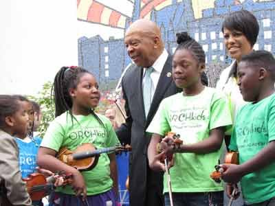 U.S. Representative Elijah Cummings and Baltimore Mayor Stephanie Rawlings-Blake with members of Baltimore Symphony Orchestra's 'Orchkids' who performed during the dedication.