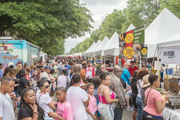 Thousands of hungry people flocked Sunday to Downtown for the annual Broad Appétit food festival. Vendors lined four blocks along Broad Street between Henry and Adams streets