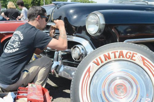Fans of classic cars and motorcycles can catch the 8th annual Rose City Round Up this weekend.