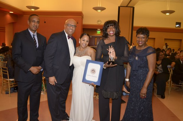 Michael Lacy, Frank Robinson (Union Bank), Ta Lese Morrow, Angeles Echols-Brown and Juanita Dawson