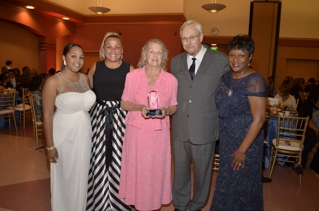 Ta Lese Morrow, Wendy Gladney-Dean, Dick & Pam Bunce, and Juanita Dawson