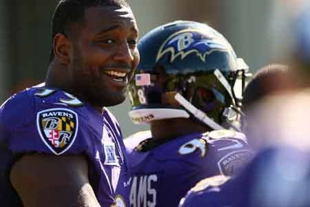 Defensive tackle Chris Canty had a chance to test the free agent market but decided to return to the Baltimore ...