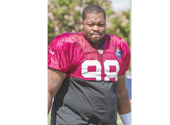 Terrance Knighton came to a crossroads as a 270-pound nose tackle and tight end at Milford Academy in New Berlin, ...