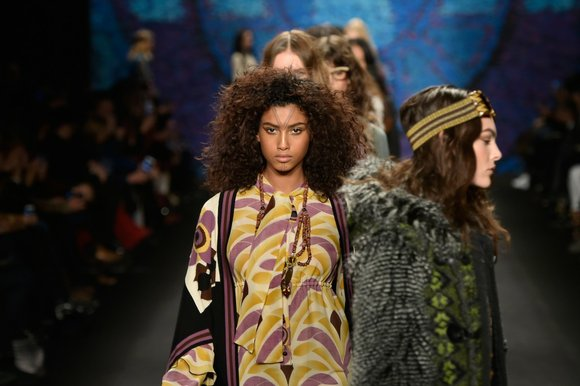 Coming straight out of the '70s, Anna Sui's collection takes you on a vintage trip to Alaska and out west ...