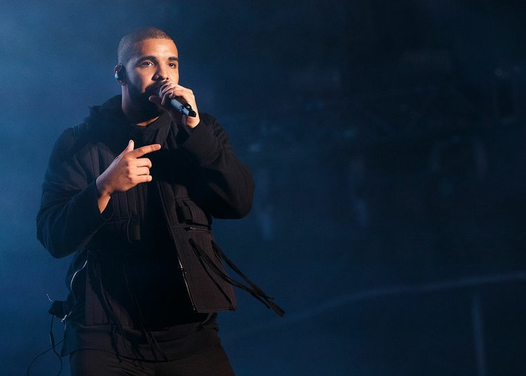 Drake Surpasses Justin Bieber On Spotify As Most Streamed