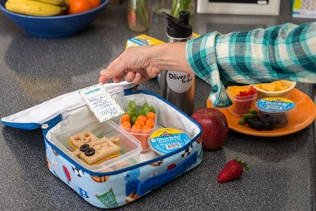 Making school lunch can feel like a thankless job, but it doesn't have to be a major chore.