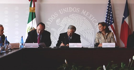 Governor Abbott Signs Transportation Agreement With Mexico
