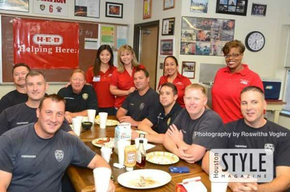 Through a company-wide volunteer service project, Helping Heroes, more than 1,500 H-E-B Partners (employees) in the Houston region will visit ...