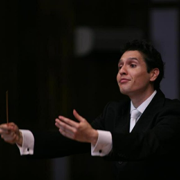 Gonzalo Farias, a native of Chile, had been the assistant to conductor Donald Schleicher at the University of Illinois in ...