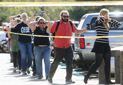 President Obama announced Monday that he will travel to Roseburg on Friday to visit with the families of victims killed ...