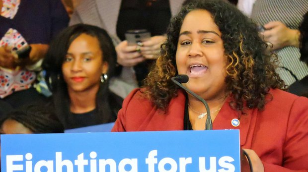 State Rep. Raumesh Akbari makes a pitch for the presidential candidacy of Hillary Clinton during the rally at The LeMoyne-Owen College on Nov. 20. (Photo: Karanja A. Ajanaku)