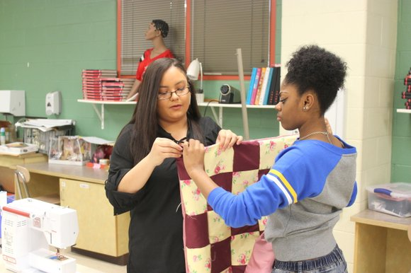 Bolingbrook students are putting their fashion skills to work to make blankets, hats and scarves for local hospitals, nursing homes, ...