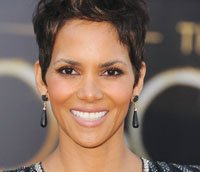 Halle Berry said Hollywood's lack of diversity stems from a lack of honesty. Filmmakers and actors should tell the truth, ...