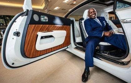 Rolls Royce Dealers >> Service Philanthropy Drives Rolls Royce Dealer Thomas Moorehead