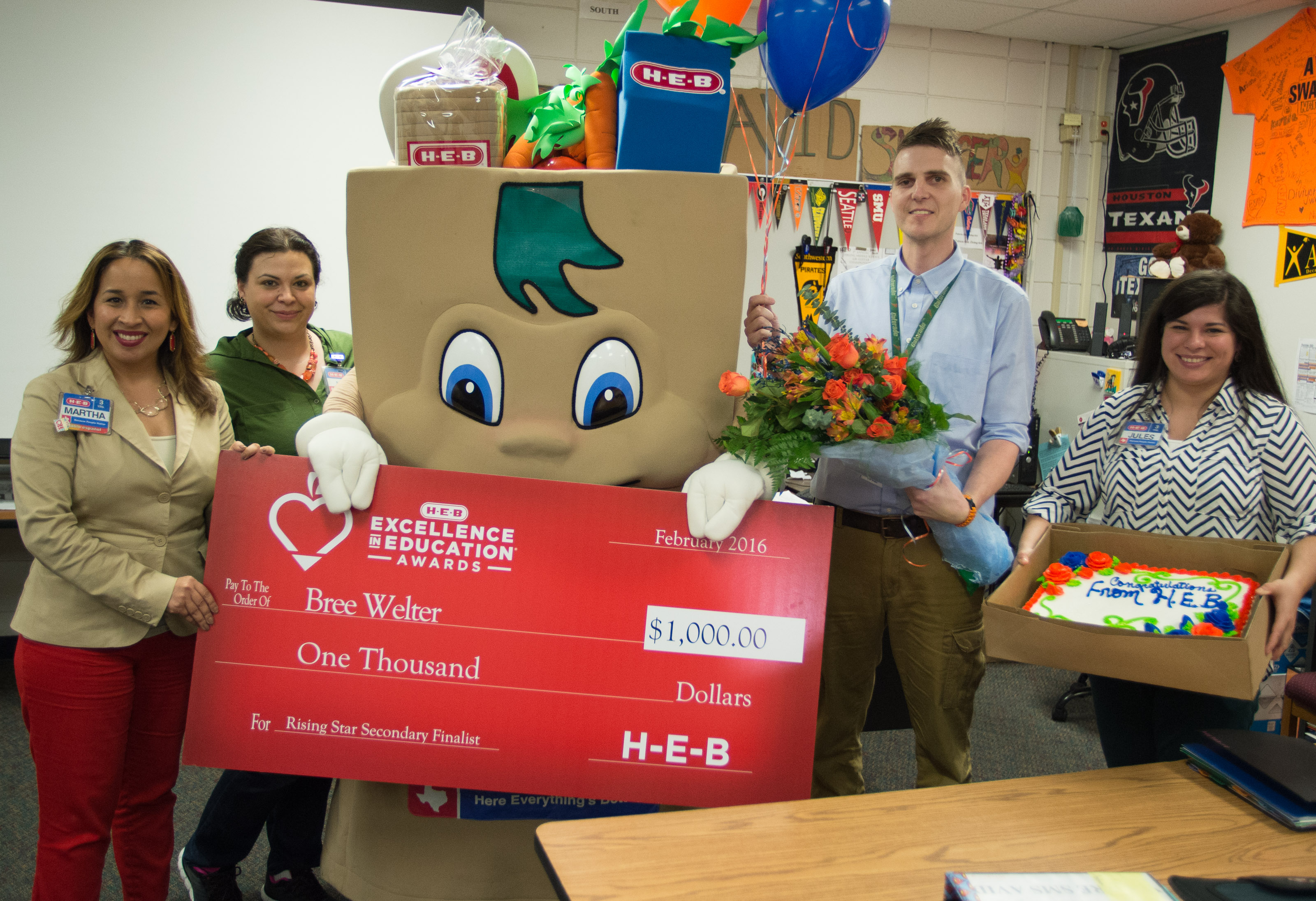 Houston-area Educators Named Finalists for 2016 H-E-B Excellence in Education Awards | Houston Style Magazine | Urban Weekly Newspaper Publication Website