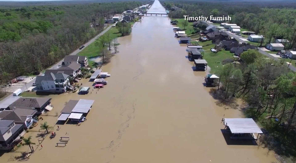 Texas authorities diverted hundreds of vehicles off eastbound Interstate 10 in anticipation of closing the highway because of flooding near ...