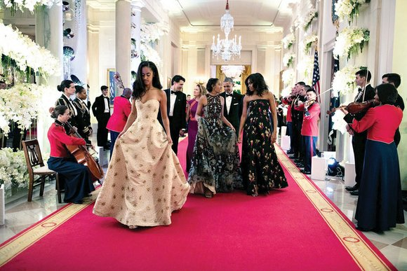 Sasha and Malia Obama, the teenage daughters of President Obama and First Lady Michelle Obama, were nothing less than stunning ...