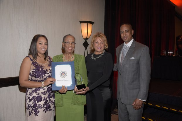 (L-R) Ta Lese Morrow (Co-Publisher), Linda Wright Lee (Honoree), Wendy Gladney (Founder of Forgiving for Living), and Michael Lacy (PAB Chair)