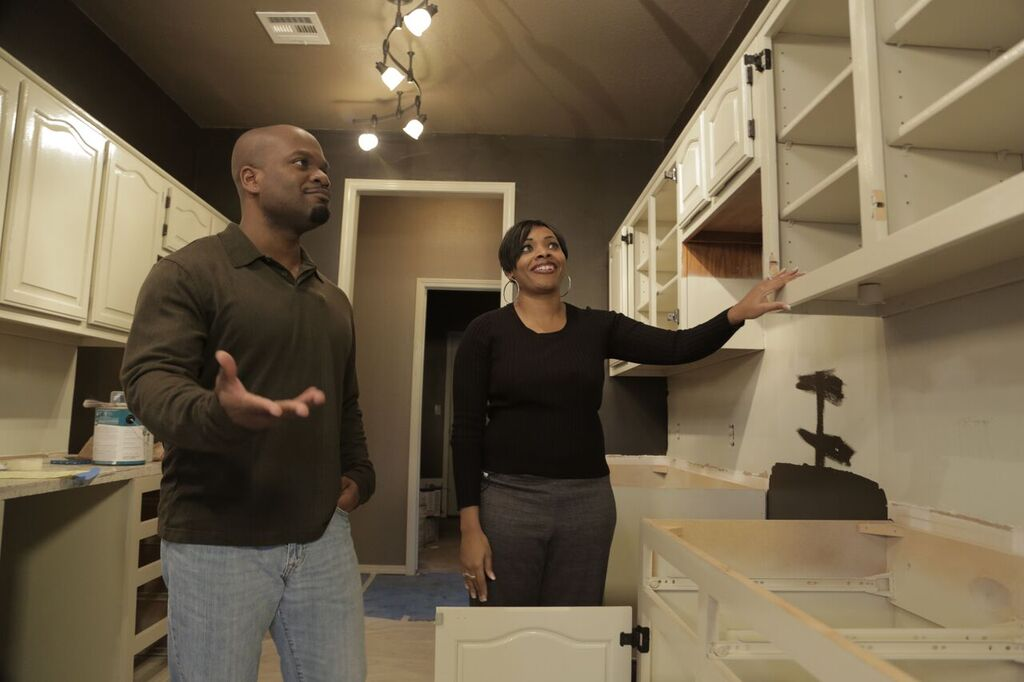 Flourishing House Flippers Interior Designers At Home On HGTV