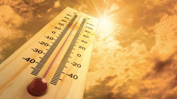 Triple-digit temperatures are expected in the Antelope Valley this weekend with county officials urging residents, particularly seniors, to protect themselves ...