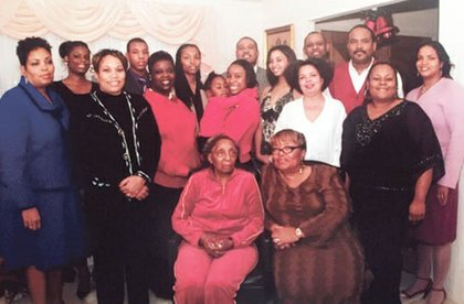 Great-Grandmother Peggy Jackson with her mother, three children, six grandchildren and six great-grandchildren