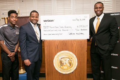 Verizon has awarded Harris-Stowe State University (HSSU) with a grant of $399,000, bringing the wireless company's Innovative Learning program to ...