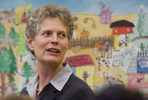 Portland Public School Superintendent Carole Smith on Monday said she will step down now rather than wait a year to ...