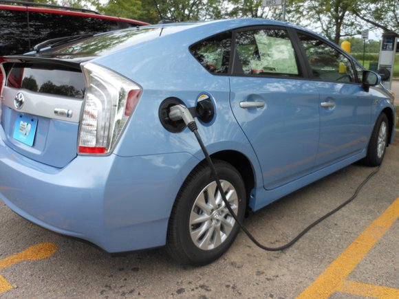 There is one place where sales of plug-in vehicles are heating up: on the newly used car market. Electric vehicles ...