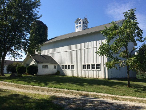 A barn built in 1978 will become a banquet hall according to a pair of Plainfield entrepreneurs.