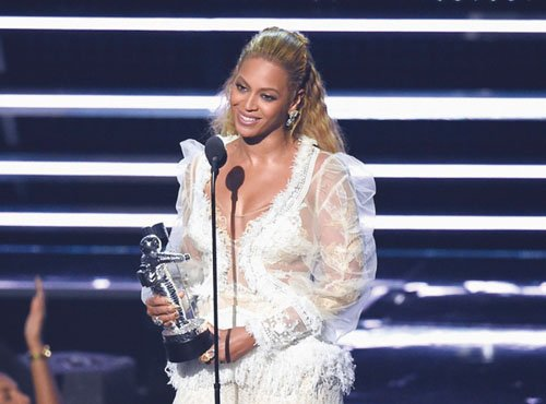 Beyonce won eight awards including Video of the Year.