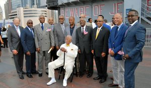 Mayor David Dinkins and and Tuskegee Airmen