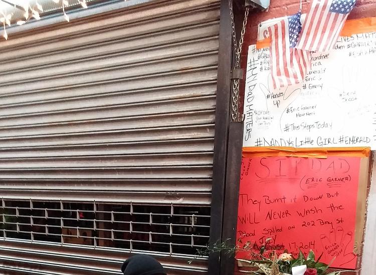 Officer Pantaleo's raise raises ire | New York Amsterdam News: The
