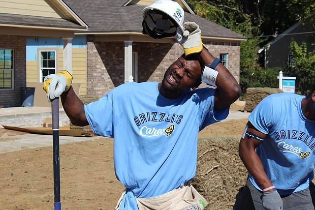 Grizzlies SG Tony Allen did indeed do some work at the Habitat for Humanity site . . . but this was a pose for the camera.