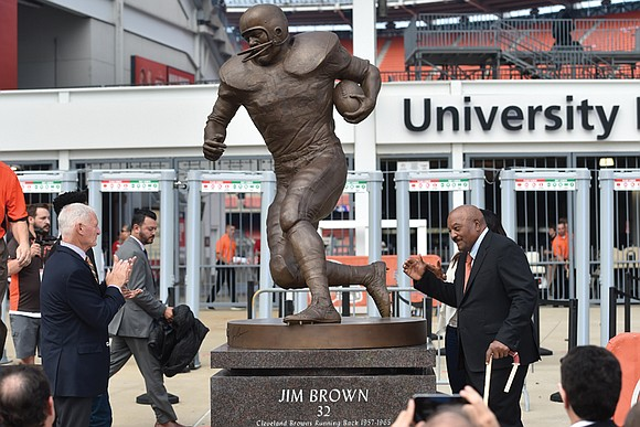 For one more Sunday, Jim Brown felt the kind of emotional surge that made him an NFL legend. The greatest ...