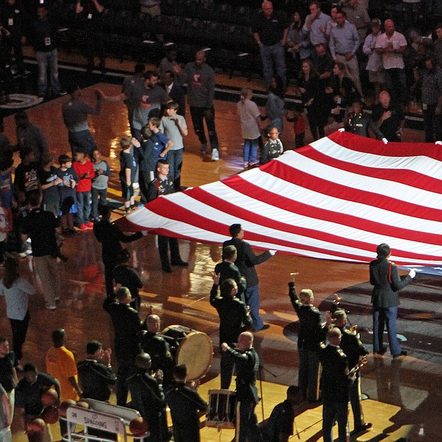 SHOWING VETERANS SOME LOVE... As Veterans Day 2016 loomed, the Memphis Grizzlies carved out time at the Memphis-Portland game (November 6) to honor those who have served in the military. (Photo: Warren Roseborough)
