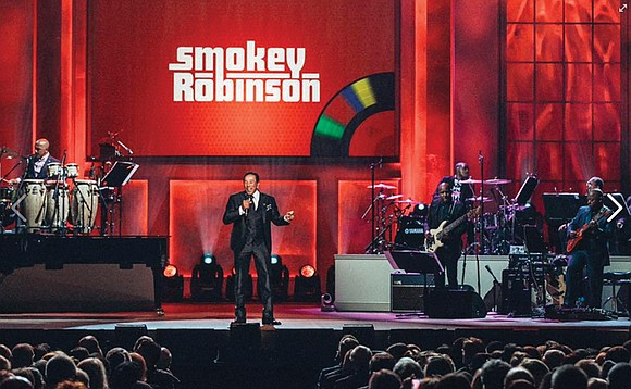 An emotional and humbled Smokey Robinson received the Library of Congress Gershwin Prize for Popular Song last week at a ...