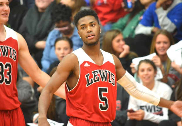 Lewis guard Miles Simelton. (File photo)