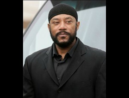 Ricky Harris, whose yin-yang comedic career went from raunchy standup on one end to family-friendly sitcoms on the other, has ...