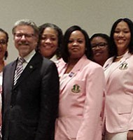 Alpha Kappa Alpha Sorority members and Alzheimer's Association President and CEO Harry Johns