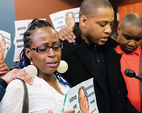 "Venus Hayes, the mother of 17 year old Quanice ""Moose"" Hayes who was fatally wounded by a Portland Police officer ..."