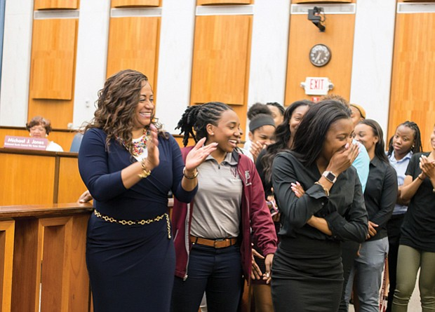 Honoring hometown champions  //