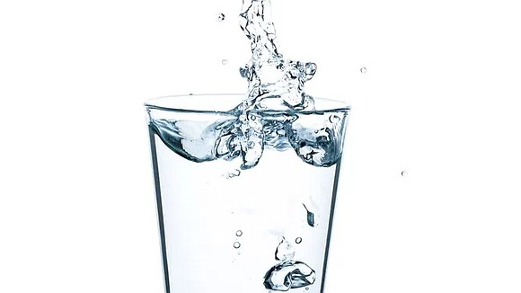 While drinking water daily plays an important role in maintaining good health, believe it or not, there are several instances ...