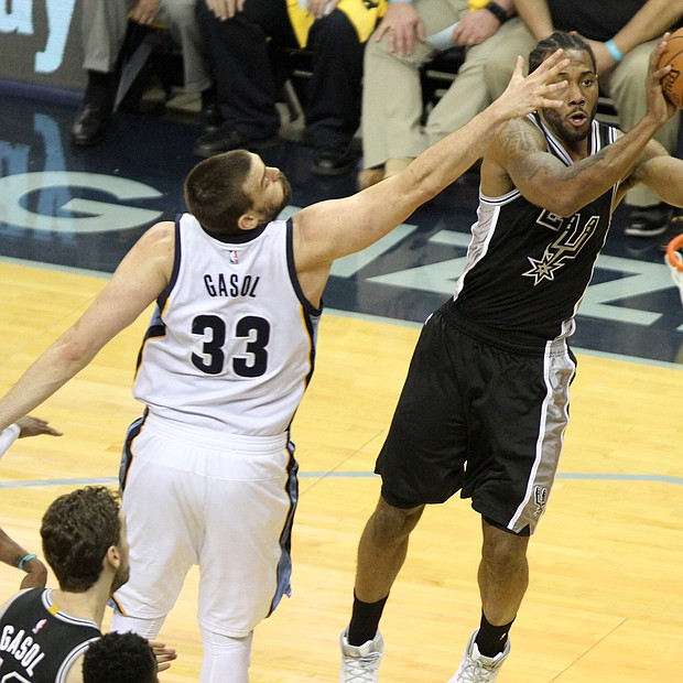 Marc Gasol's good intentions could not stop Kawhi Leonard on this shot. (Photo: Warren Roseborough)