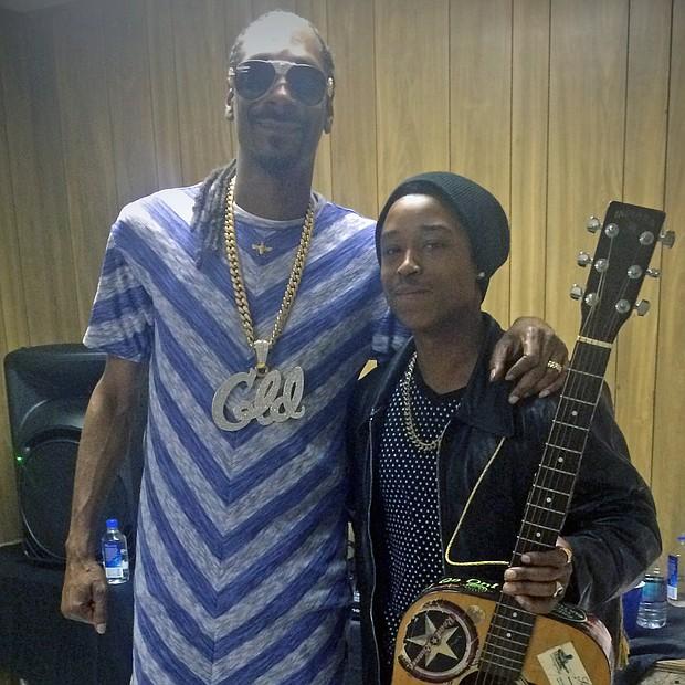 Snoop backstage with Memphis-bred Singa Bromfield. (Photo: Warren Roseborough)