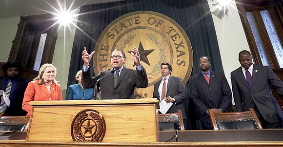 As the Texas legislative session came to a close as of Monday's final adjournment, lawmakers worked to resolve lingering issues. ...
