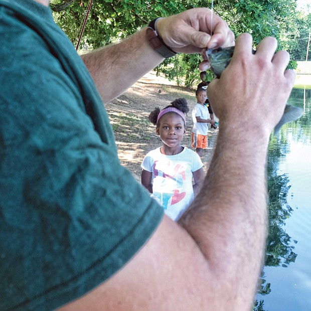 A family fishing affair //