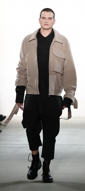 Oversized, unconstructed, tailored and sophisticated are keywords describing Odeur Studio's autumn/winter '17 collection for Berlin Mercedes-Benz Fashion Week.