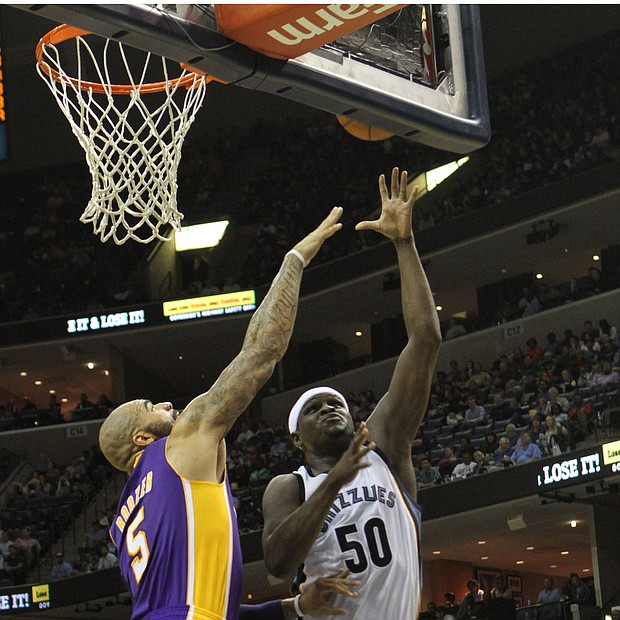 Randolph scores over Carlos Boozer of the Los Angeles Lakers.