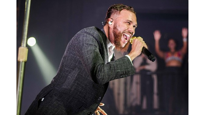 A force during a live performance, Jidenna delivered big time during a sold-out concert at the New Daisy Theatre.  (Photo: Johnathan T. Martin)