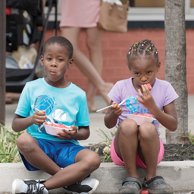 Fun, sun and watermelon //
